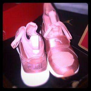 I'm selling PINK Puma fierce strap shoes